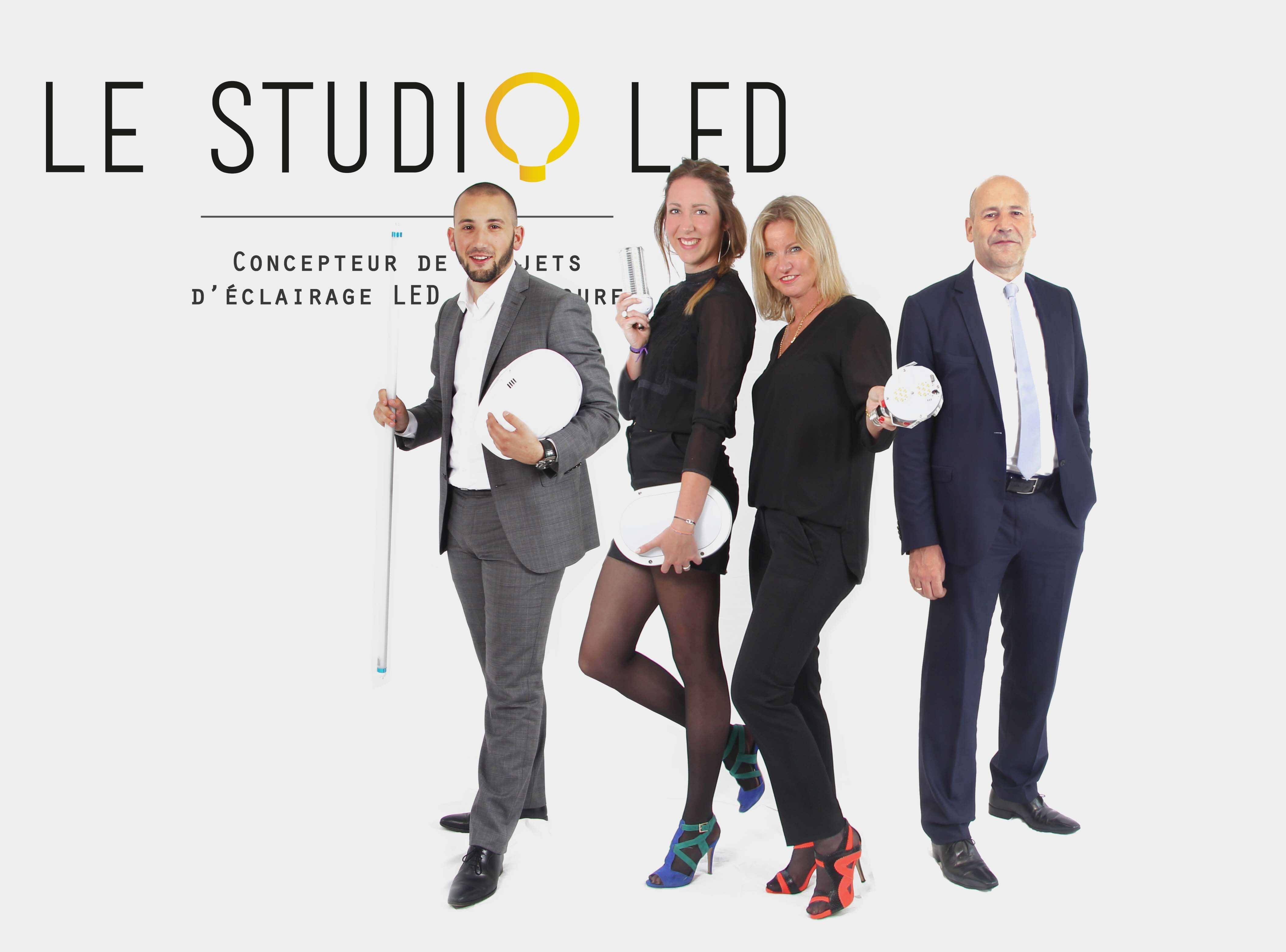 Le studio led_QUI SOMMES NOUS_TOUS2